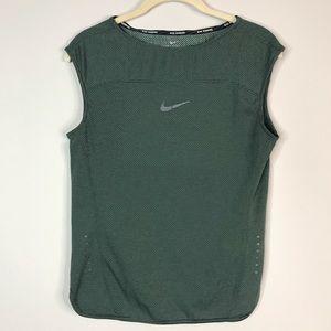 Women's Nike Running Aeroreact muscle tee